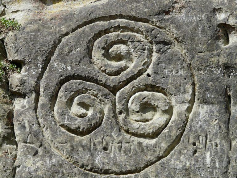 Simboli celtici: sai che cosa significa il Triskele o Triscele?