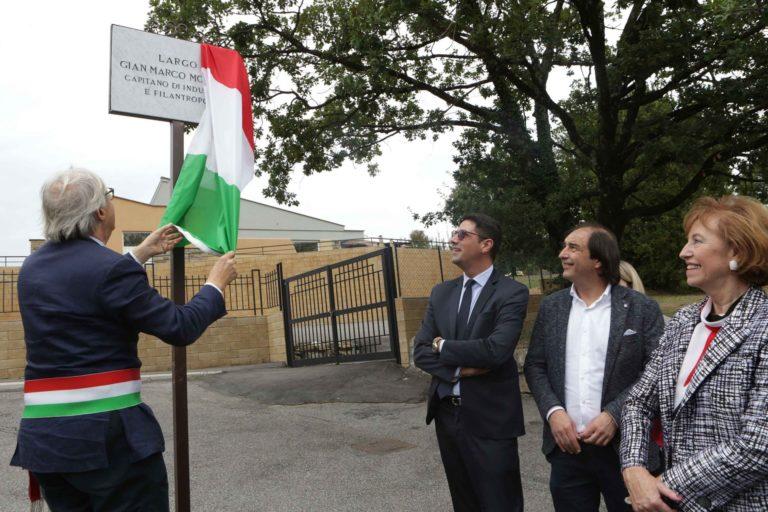 Sutri: il sindaco Vittorio Sgarbi intitola una piazza a Gian Marco Moratti