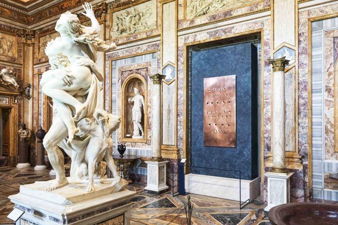 Mostra Lucio Fontana. Terra e oro, Galleria Borghese di Roma