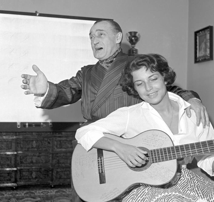 Antonio de Curtis con Franca Faldini, 1956